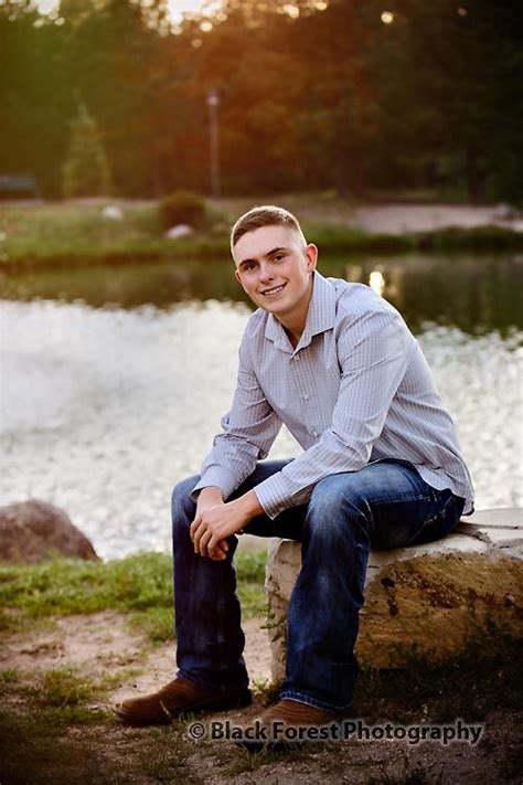 High School Senior Pictures by High School Senior Picture Ideas For Guys Www Pixshark