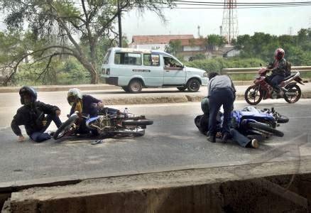 Alarm Motor Di Karawang kecelakaan motor di rawagabus karawang bachtiaryuan