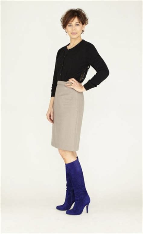 can i wear knee high boots with a pencil skirt