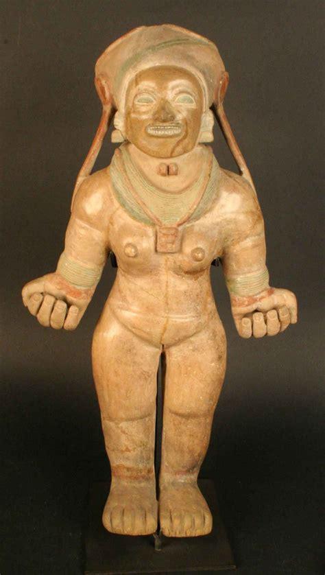 imagenes de representaciones realistas del cuerpo humano figura antropomorfa femenina museo chileno de arte