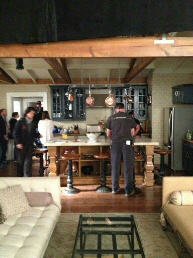 spencer hastings room spencer hastings house living room and kitchen pll the tile goes all the way up