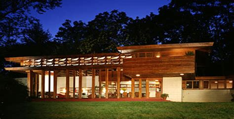 frank lloyd wright style of architecture frank lloyd wright renovation receives merit award