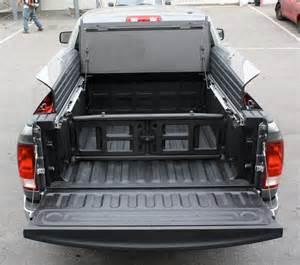 Couvre Tonneau Pour Ram 1500 Dodge Couvre Tonneau Tripod Dodge Ram 09 16 6 4 Quot Us Garages