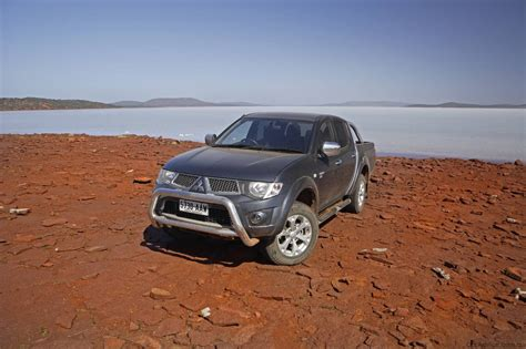 triton mitsubishi 2010 2010 mitsubishi triton utility specifications photos 1