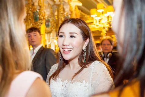 acara pertunangan anak raja judi  mewah abis