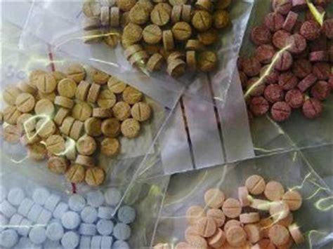 diversi tipi di droghe droga rischi ed effetti delle droghe
