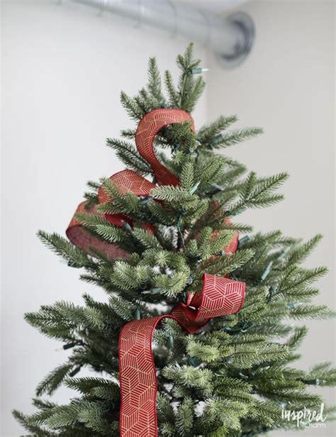 maneras de adornar el arbol de navidad formas de decorar tu arbol de navidad con liston 3 decoracion de interiores fachadas para