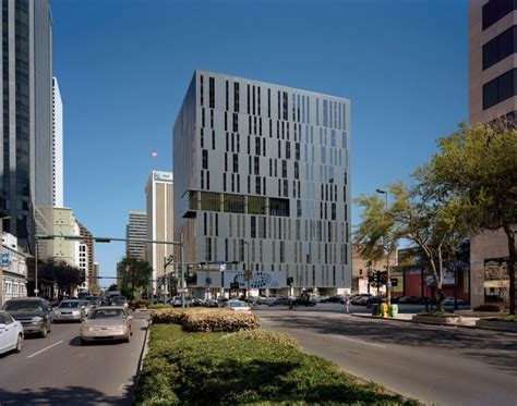 Apartments In New Orleans On Poydras 930 Poydras Residential Tower Architecture Of Modern