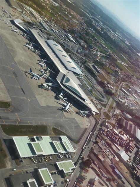 airport porto file porto airport opo 9498682646 jpg wikimedia commons