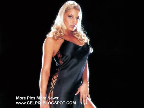 trish stratus fitness model senzible sexy strong and sweet female wrestler