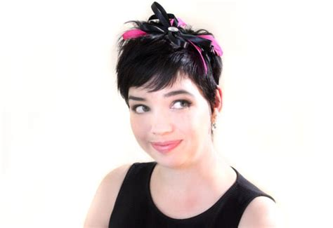 hairstyles with a headband fascinator how to wear a fascinator with short hair headband