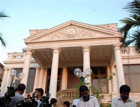 images of shahrukh khan bungalow shahrukh khan s bungalow munnat at landsend bandra