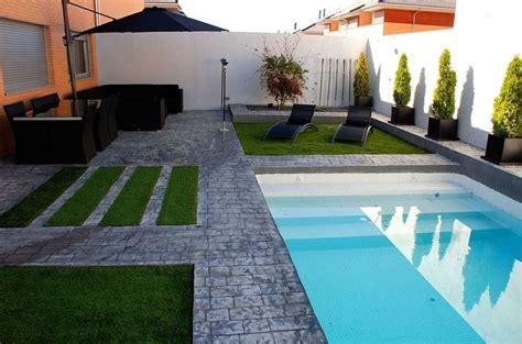 piccole aiuole da giardino aiuole giardini progettazione giardini progettare