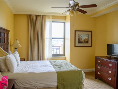 4 bedroom condos in destin fl 5 reasons to stay at the emerald grande resort in destin