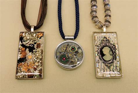 epoxy jewelry envirotex jewelry resin necklace pendants epoxy resin