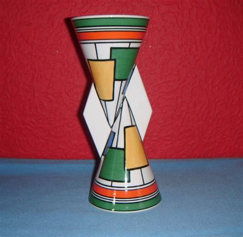 Clarice Cliff Vase by Pin By Carole Grant On Clarice Cliff
