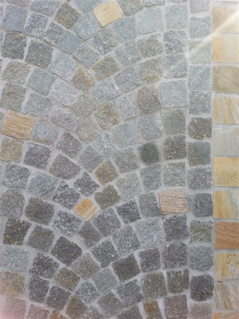 pavimento in pietra per esterno pavimentazione per esterni cubetti in pietra di luserna
