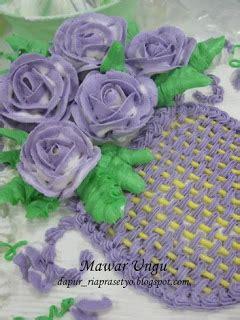 Spuit Mawar Lokal Penghias Kue 3 Pcs kue mungil cake hiasan mawar ungu