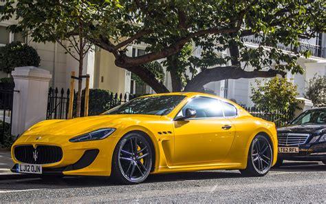 Yellow Maserati Quattroporte 5 Maserati