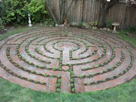 Santa Rosa Labyrinth Design Could Do This In A Small Space For A Peaceful Prayerful Walk Cool Garden Labyrinth Templates