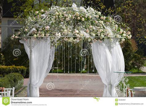 arco jardin arcos para jardin arco para jardin flores rosas loading