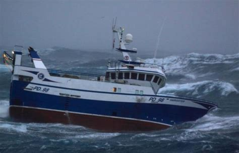 types of newfoundland fishing boats fishing boat battered by waves others
