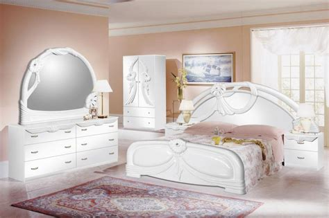 Bedroom Design Ideas White Furniture 5 Bedroom Design Trends For 2017 White Bedroom