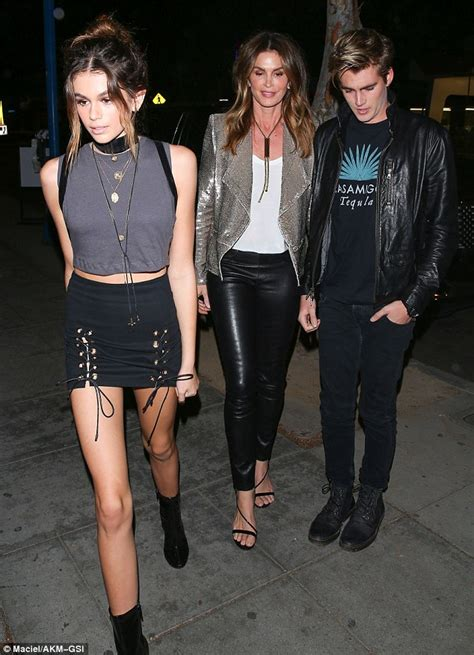 kaia gerber altura kaia gerber and cindy crawford attend kendall jenner s