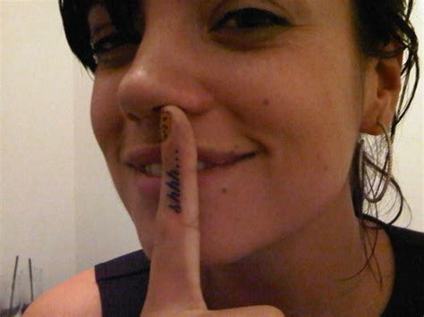 lily allen shows off her shhh finger tattoo lindsay