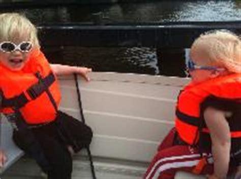 zwemvest verplicht in boot kinder zwemvesten en reddingsvesten kopen veiligheid aan