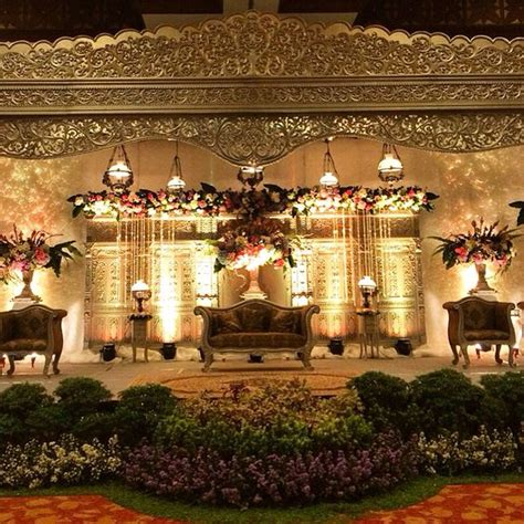 Wedding Jawa Modern by Pelaminan Jawa Modern Rolas By Suryo Decor