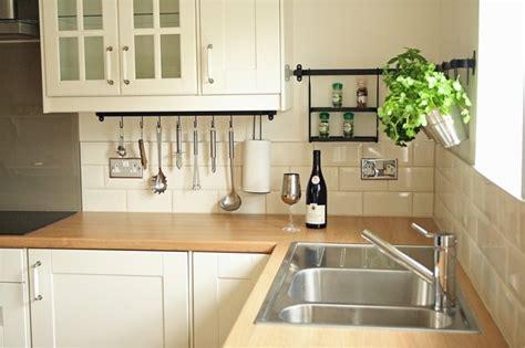 küche tapezieren ideen wei 223 k 252 che aufpeppen