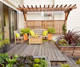 Small Backyard Pergola Ideas 11 Simple Solutions For Small Space Landscapes