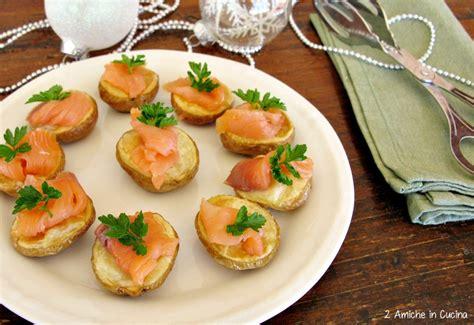 come si cucina il salmone al forno patate al forno con salmone affumicato 2 amiche in cucina