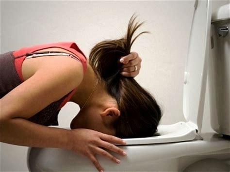 vomito alimentare alimenti contro nausea e vomito benessere leonardo it