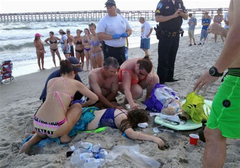 2015 beach shark attack vacationing shark attack victims were in shallow water