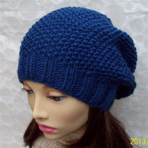 knitting pattern slouchy hat knitting pattern roxanne womans slouchy hat in textured seed
