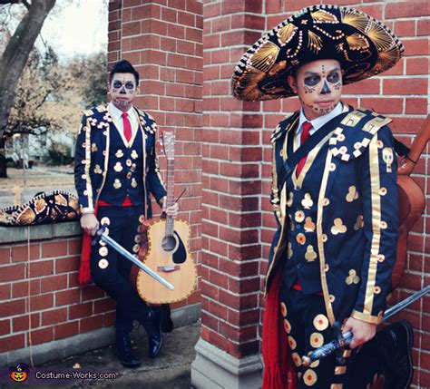 Book Of Manolo book of manolo costume www pixshark images
