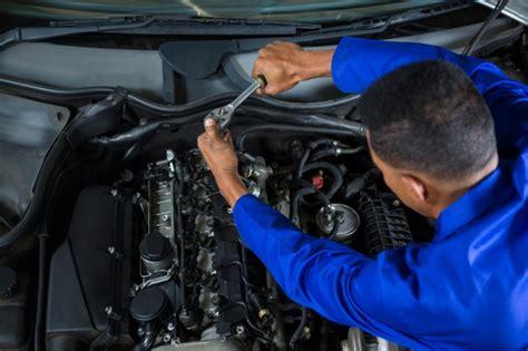 Auto Wartung by Mechaniker Wartung Ein Auto Der Kostenlosen Fotos