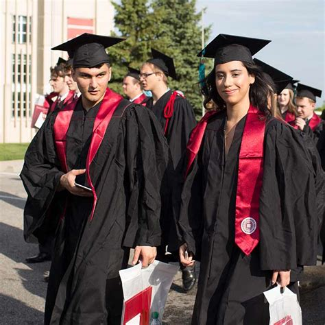 Iu Graduation Gowns Mba students what to wear commencement indiana