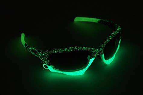 Kaos Iphone Glow In The oakley jawbone atmos splatter limited newsbikes
