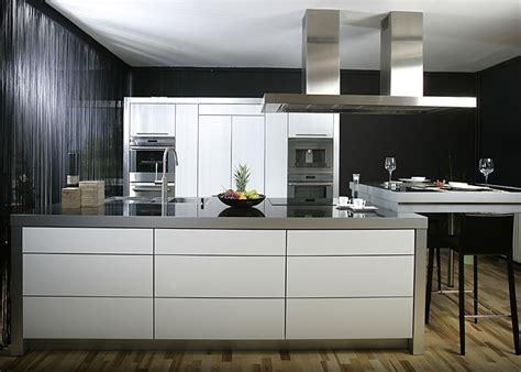 Küchenrückwand Wie Arbeitsplatte by K 252 Che K 252 Che Grifflos Grau K 252 Che Grifflos Grau And K 252 Che