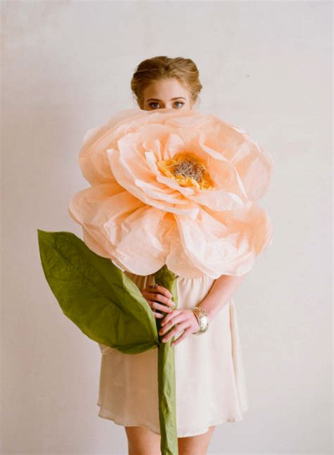 How To Make Large Paper Flowers For Wedding - diy project paper flowers from ruche design sponge