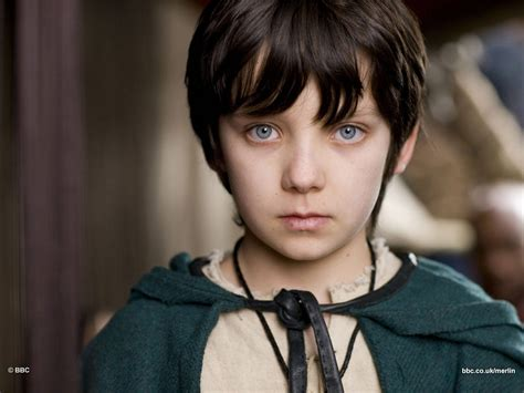 tv boy actor with full hair bangs mordred asa butterfield cihan blog