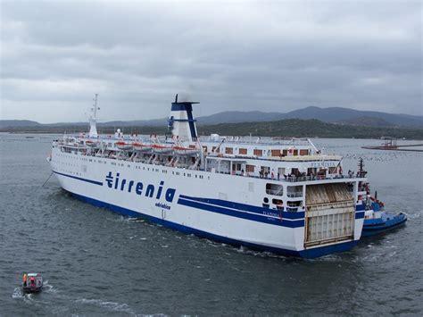 genova porto torres traghetto traghetti traghetti traghetti in mare servono i traghetti