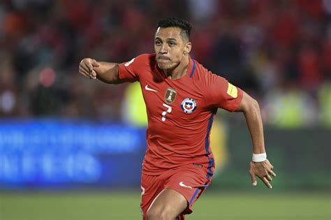 alexis sanchez vs southton manchester united vs arsenal team news alexis sanchez