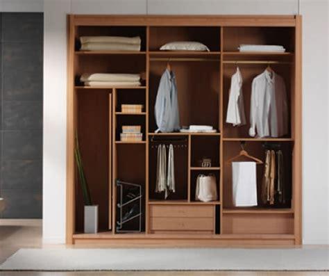 Lemari Pakaian Tanam 4 jenis lemari pakaian untuk desain interior modern