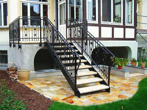 Balkongeländer Mit Treppe by Seyer Metallbau Gmbh Stahlwangentreppe Und