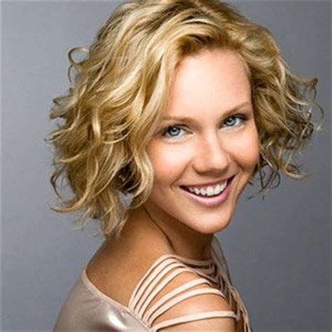 highlighted hair styles chin lenght natural curly hair the best short haircuts and hairstyles pinterest bobs