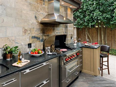 Outside Kitchen | outdoor kitchen trends diy